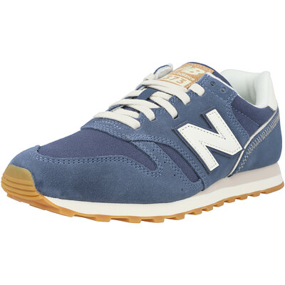373 Adult childrens shoes
